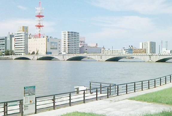新潟県最大級の求人数取引企業880社、実績35年以上